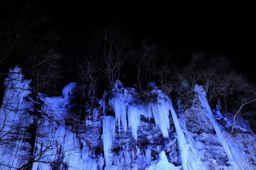 冰柱夜間點燈