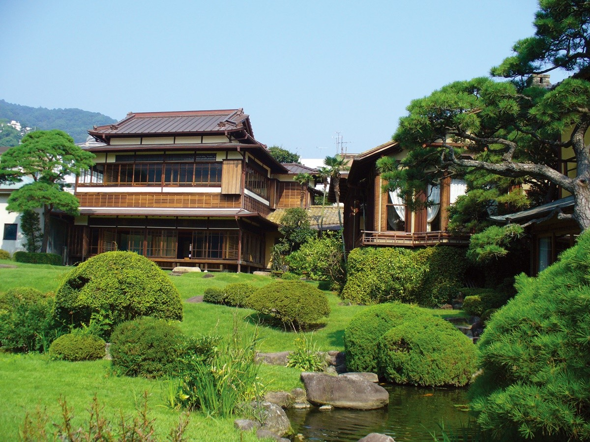 "Take in Views of Luxury Architecture and Splendid Japanese Garden at ""kiunkaku"" in Atami, Shizuoka Prefecture of Japan"